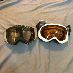 🥽 One Oakley and One Smith Ski/Snowboard Goggles
